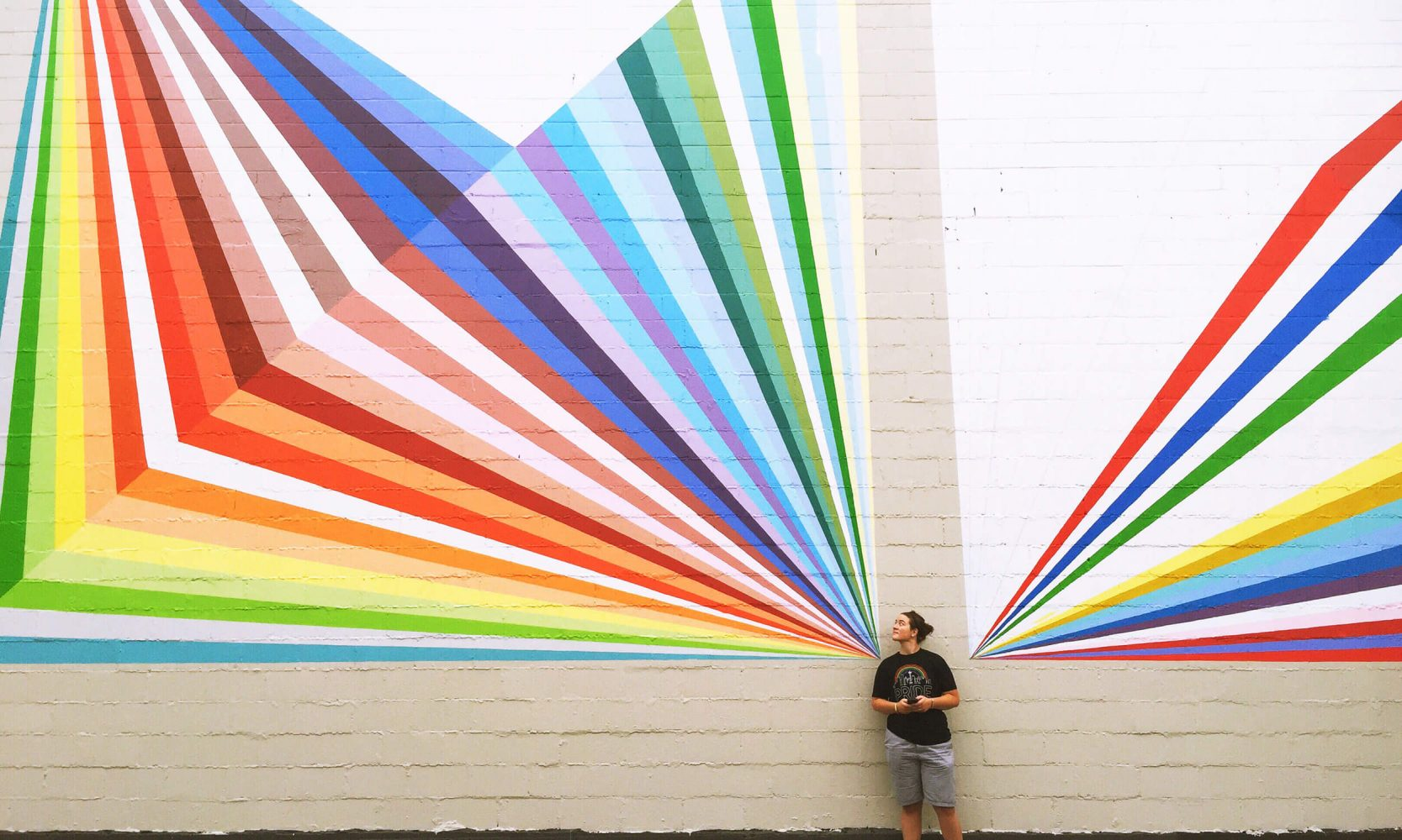 wall painting rainbow colours